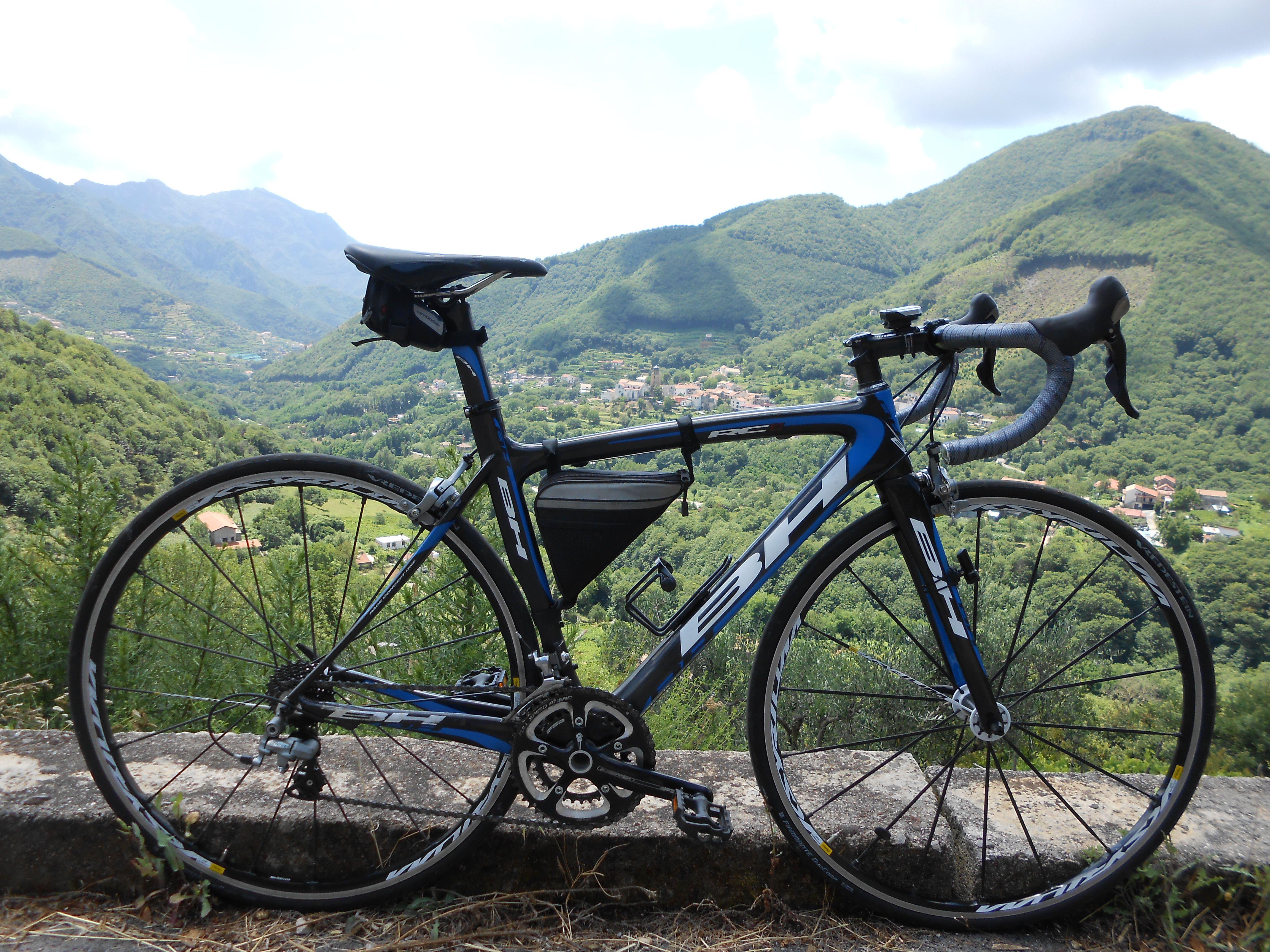 A Lightweight Bh Rc1 Carbon Fibre Road Bike Bike Race Training Racing Bikes Amalfi Coast Italy