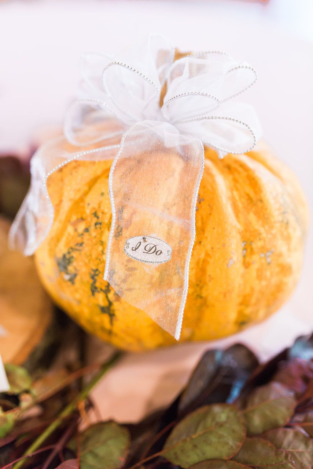 Diy fall wedding decor  DIY fall wedding decor A simple way to dress up pumpkins for
