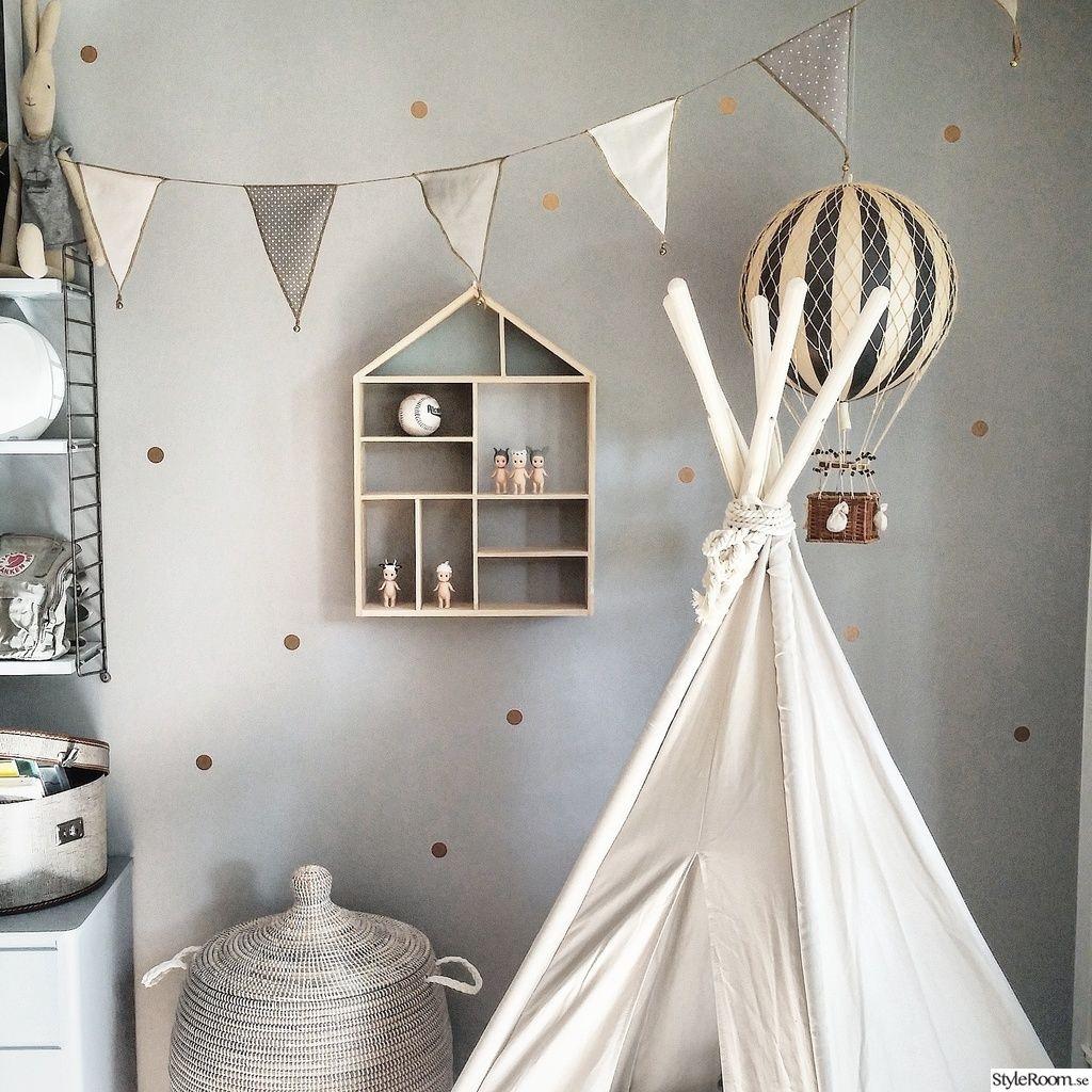 barnrum,tipi,tält,hylla barnrum, love the grey wall with gold polkadots  아이 방 ...