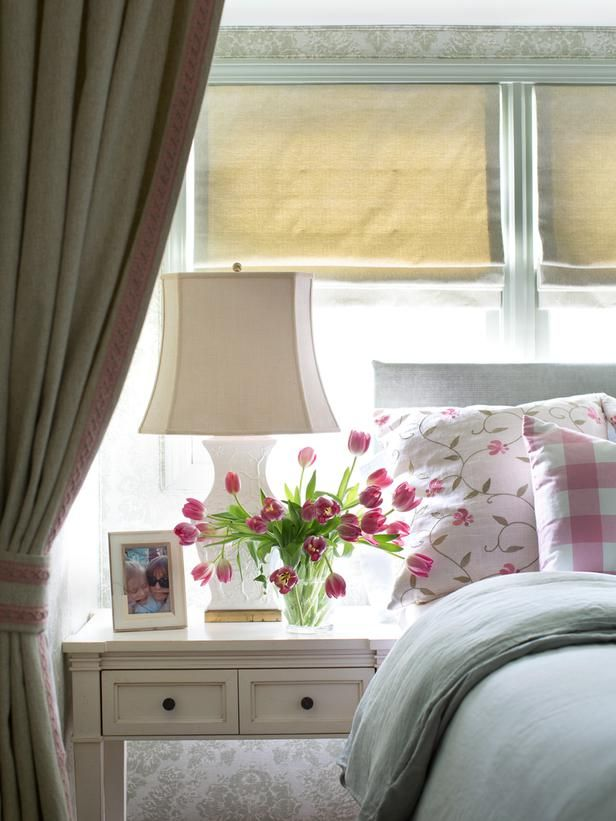 Coordinating Fabrics Cottage Style Bedroom Decorating Ideas On Hgtv So Pretty For A S