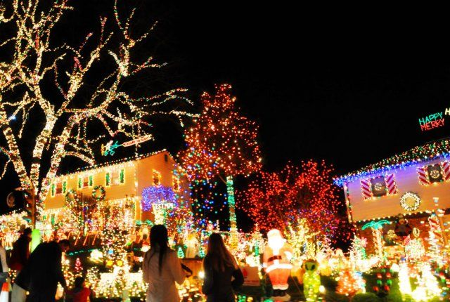 Richmond VA :: Tacky Lights Tour (cheesy Holiday Fun!)