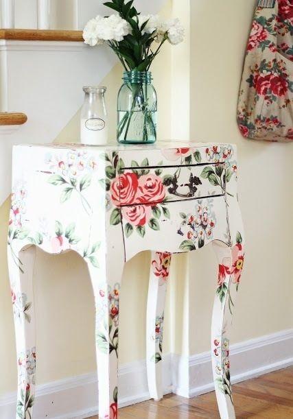 Casa florida at no inverno para deixar os m veis mais alegres voc forr los com tecido ou - Casa de los espiritus alegres ...