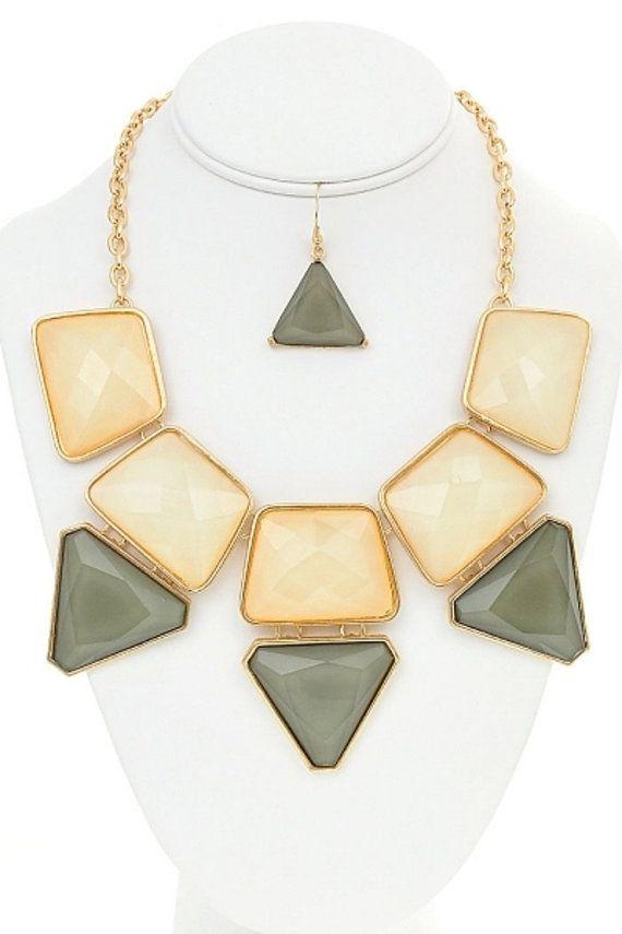 collier lariat collier plastron ras du cou collier par Paulafashion, $17.00