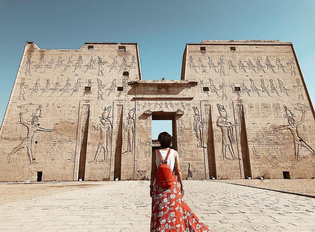 📍Temple of Edfu  Photography by @misswanderlustt . How to get featured? 