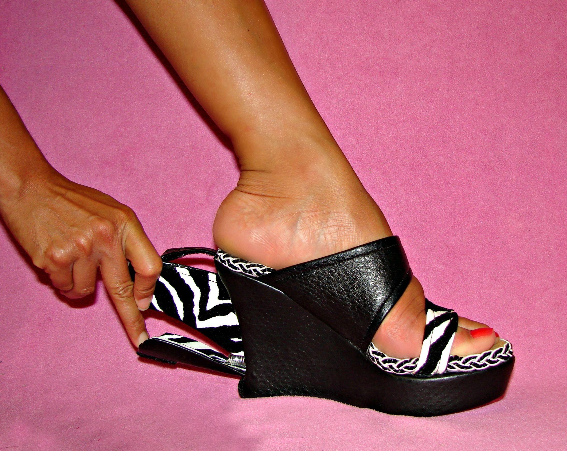 f06a3537e888dc Double agent shoes with a secret compartment
