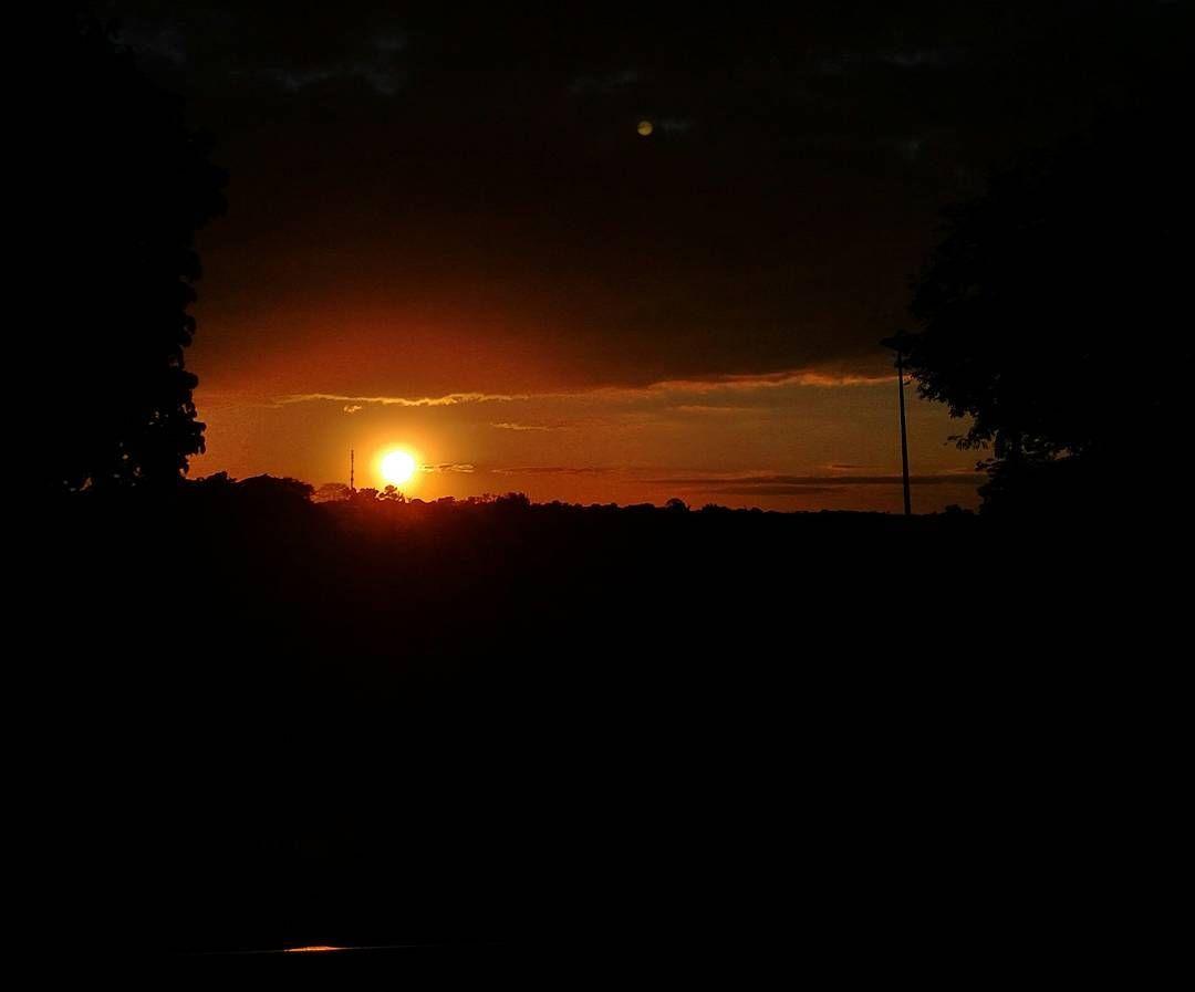 Lá vai o sol.