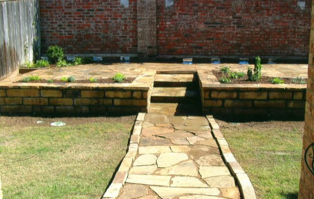 Brentley\'s Landscape & Construction - Natural Stone Retaining Wall ...