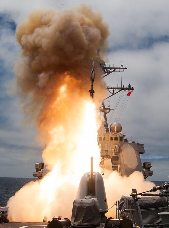 http://upload.wikimedia.org/wikipedia/commons/thumb/1/17/USS_John_Paul_Jones_%28DDG-53%29_launches_RIM-174_in_June_2014.JPG/568px-USS_John_Paul_Jones_%28DDG-53%29_launches_RIM-174_in_June_2014.JPG