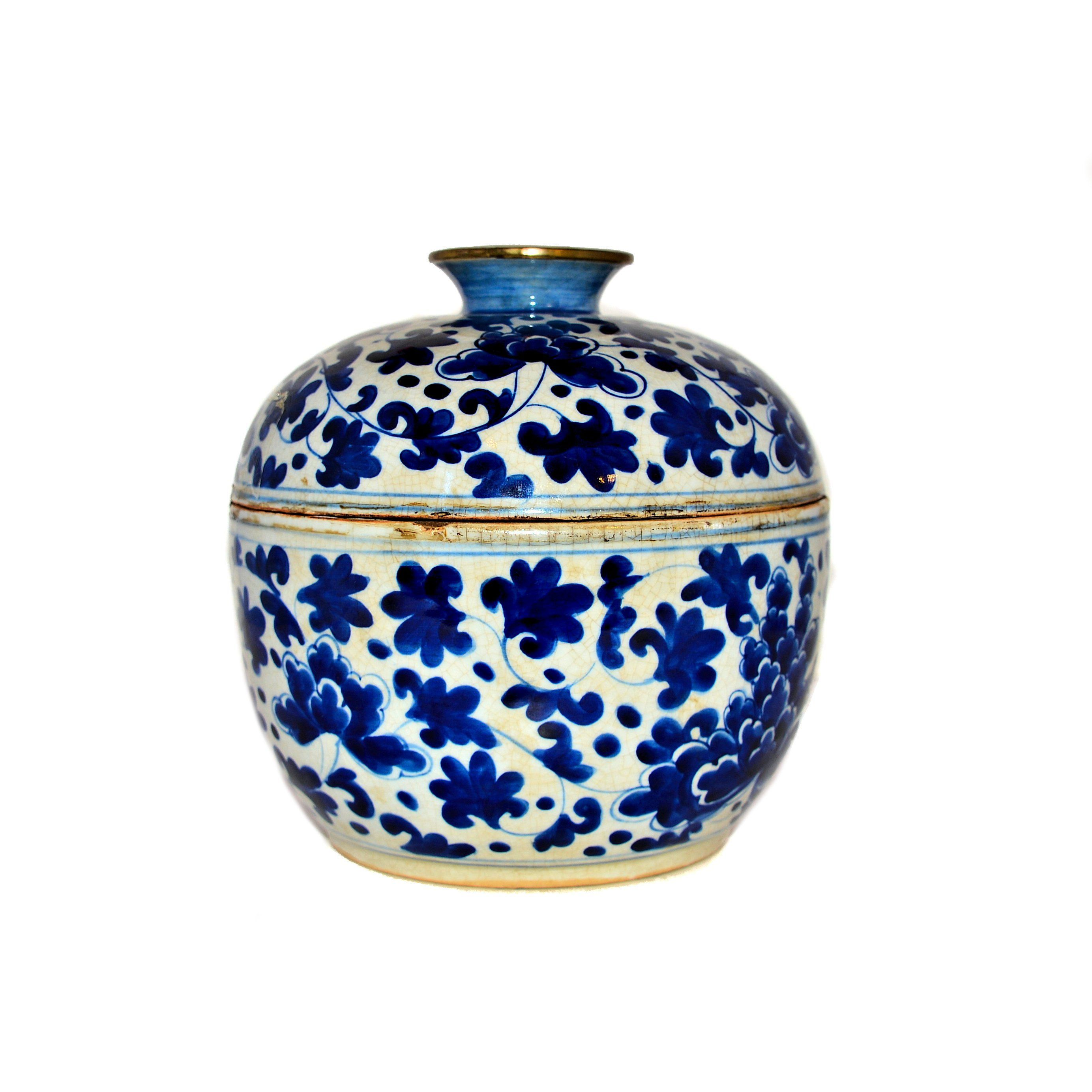 Antique Blue And White Ceramic Jar From Thailand Dimensions 7 25 Wide X 7 25 High Weight 3 6 Lbs White Ceramics Chinese Porcelain Ginger Jars