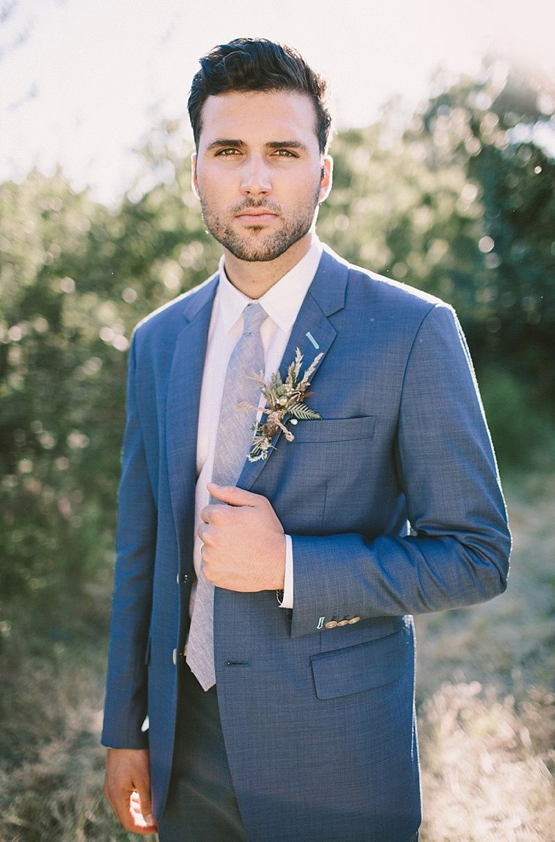 Stylish groom with blue suit and grey tie | Inspiration: Groom ...
