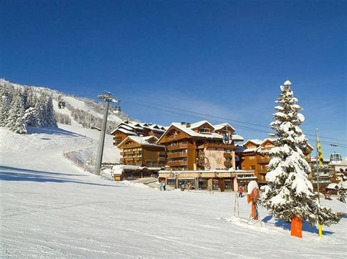 Ski Destinations Hotel de la Loze in Courchevel Les 3 Vallees