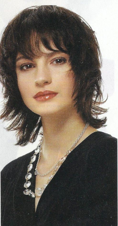 medium length shag hairstyle