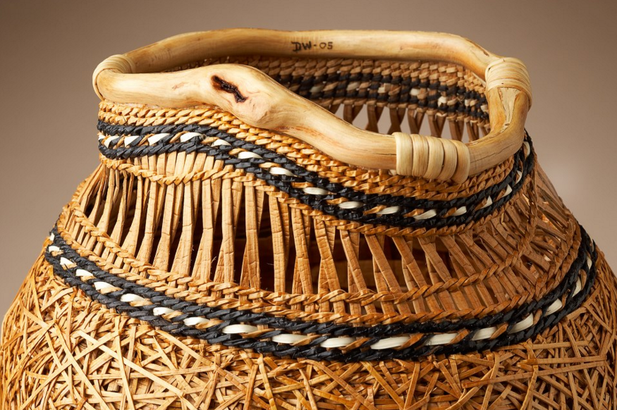 http://benedante.blogspot.com/2015/12/dawn-walden-cedar-baskets.html