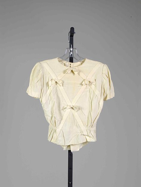 The Essential 1940s Style Blouse Vintage Frills: Mainbocher Silk Blouse With Bow Embellishment