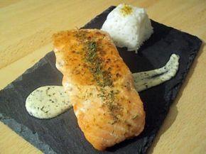 Pavé de saumon grillé sauce crème citronée et son riz blanc