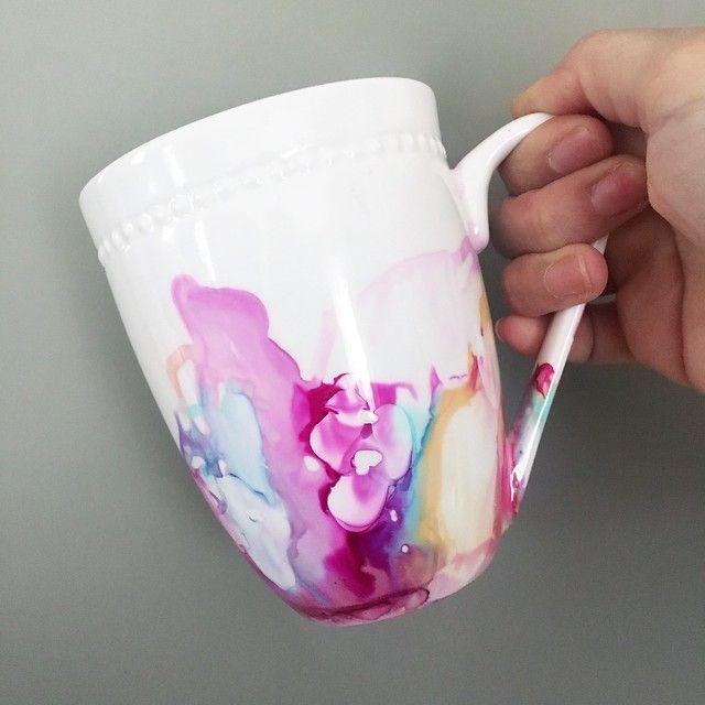 "DIY ""Marbled"" Mug Using Alcohol Inks"