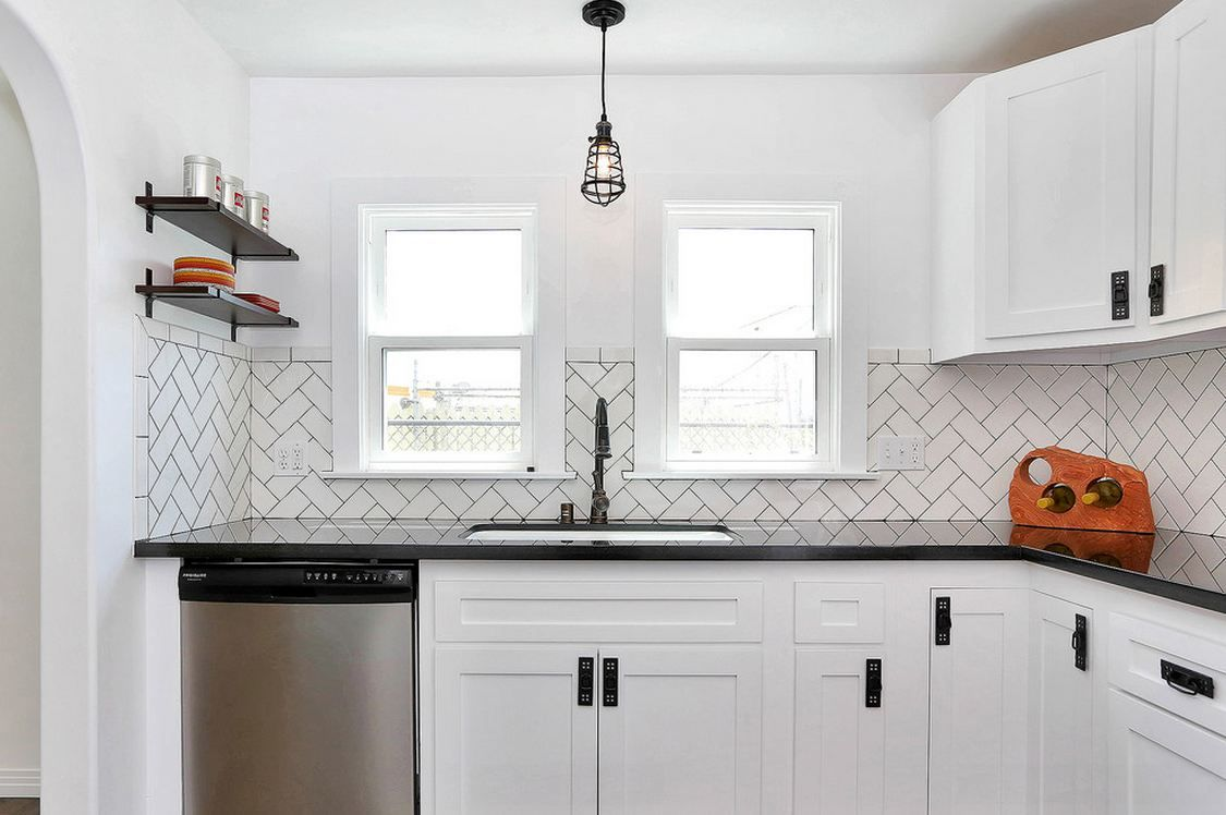 Soho White 3 X 6 Ceramic Tile In Herringbone Pattern Eclectic Kitchen Interior Design Kitchen Kitchen Backsplash