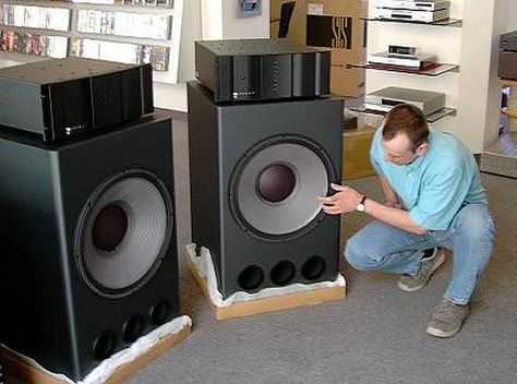is this a new driver from jbl kaiuttimet pinterest speakers audiophile and loudspeaker. Black Bedroom Furniture Sets. Home Design Ideas