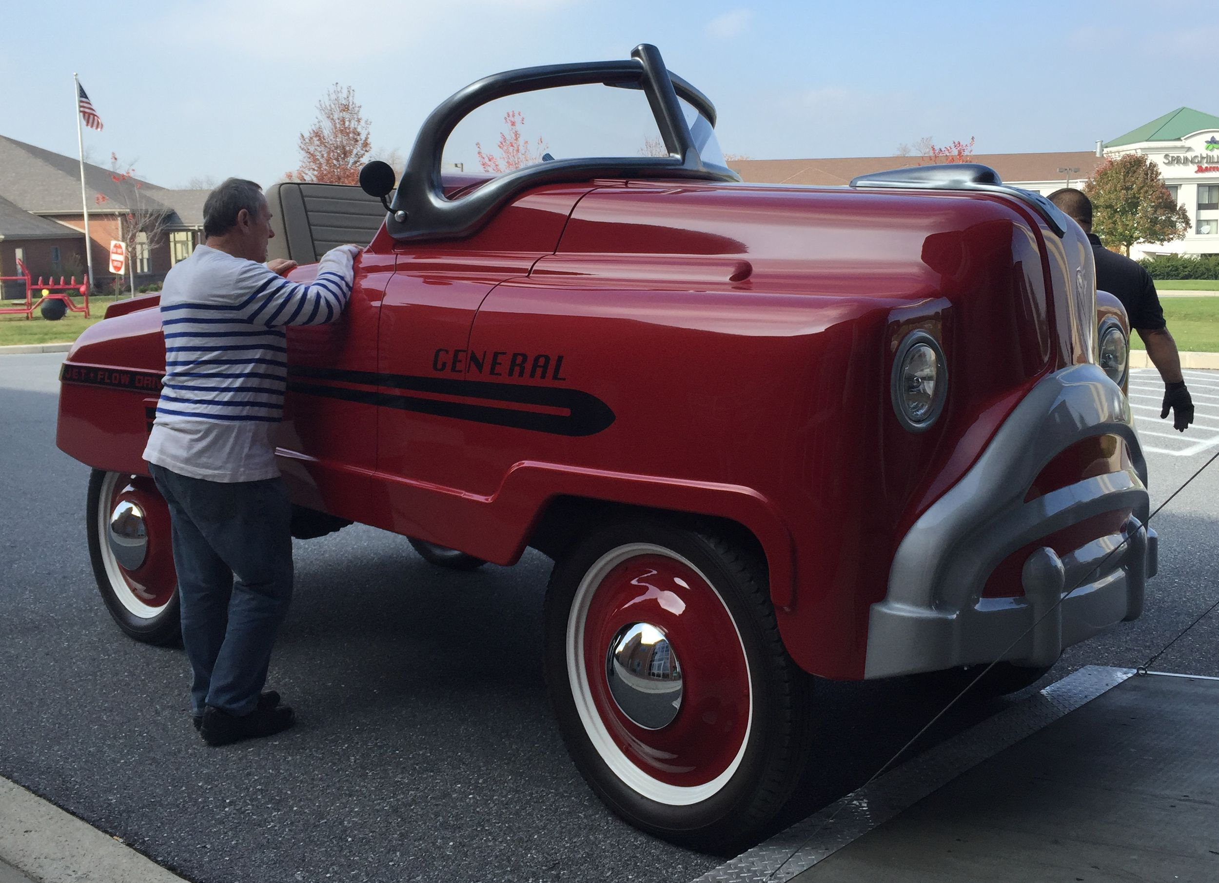 A life-size (and then some) Murray General pedal car | Pedal car ...
