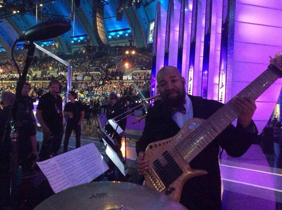Al Caldwell with a Benavente 9 String at the Miss America competition 2015