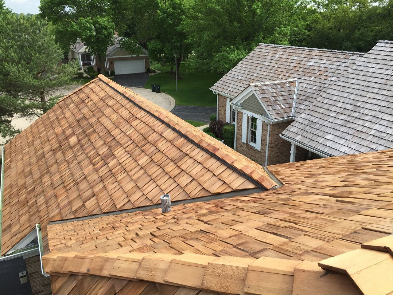 Best Are You Interested In Cedar Shake Roofing Cedar Roof 400 x 300