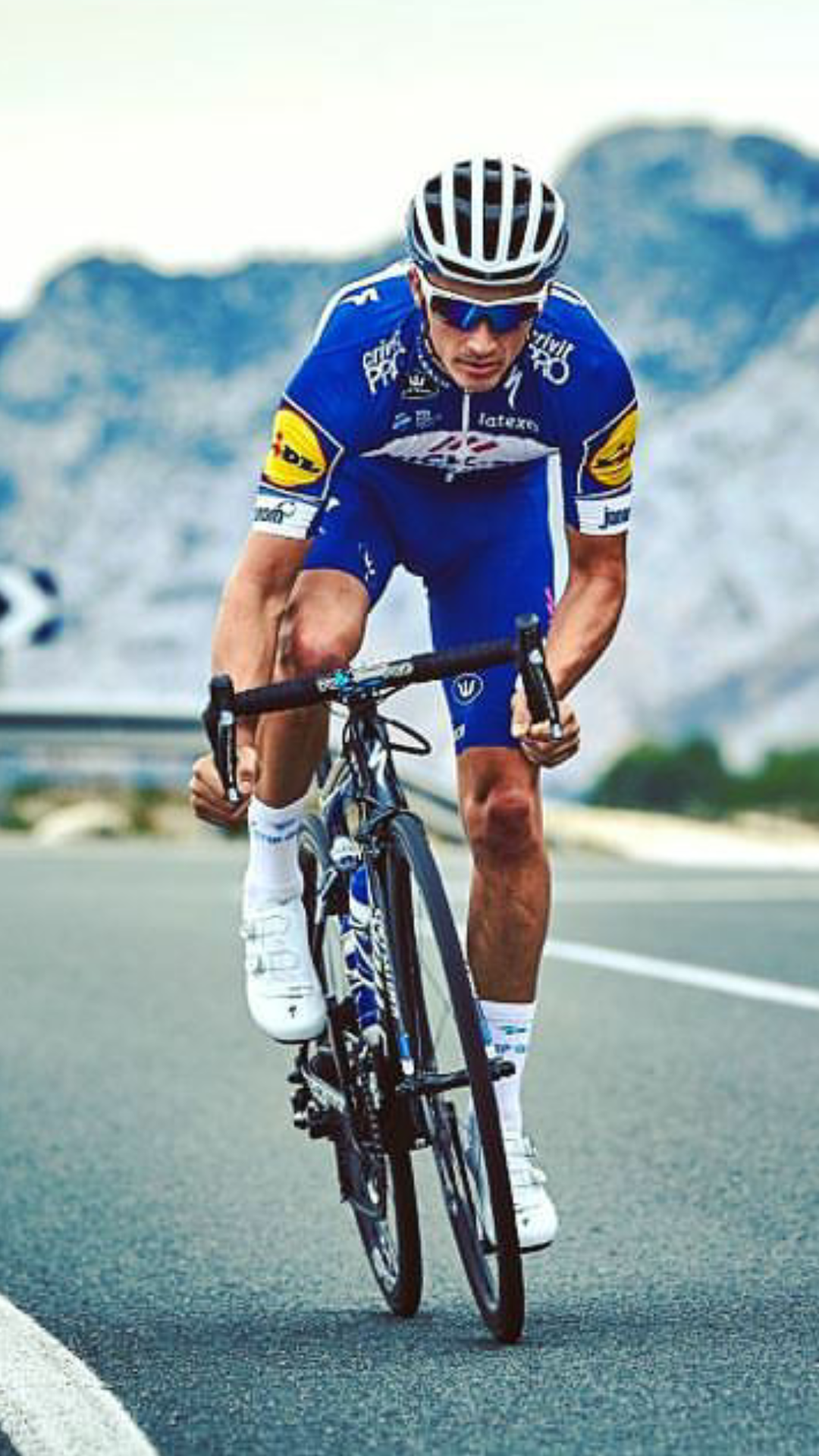 Julian Alaphilippe Cycling Outfit Bicycle Sport Professional Cycling
