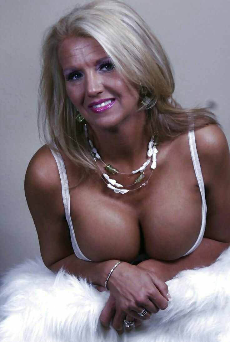 natural mom boobs blonde Hot