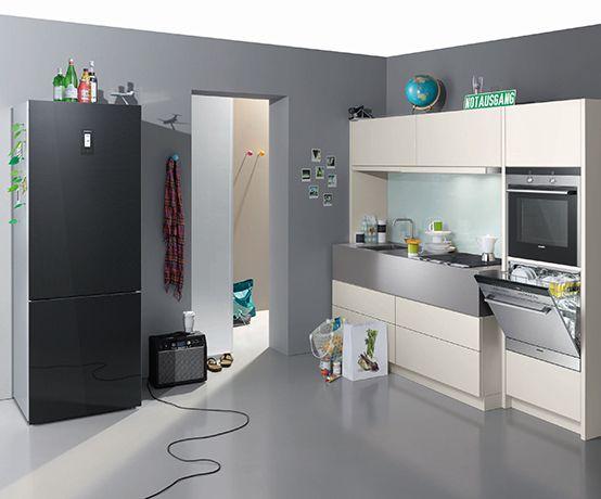 There is always enough space for #Siemens #home #appliances. // In jede #Küche passen Siemens #Hausgeraete. #kitchen #fridge #oven #dishwasher #enjoysiemens
