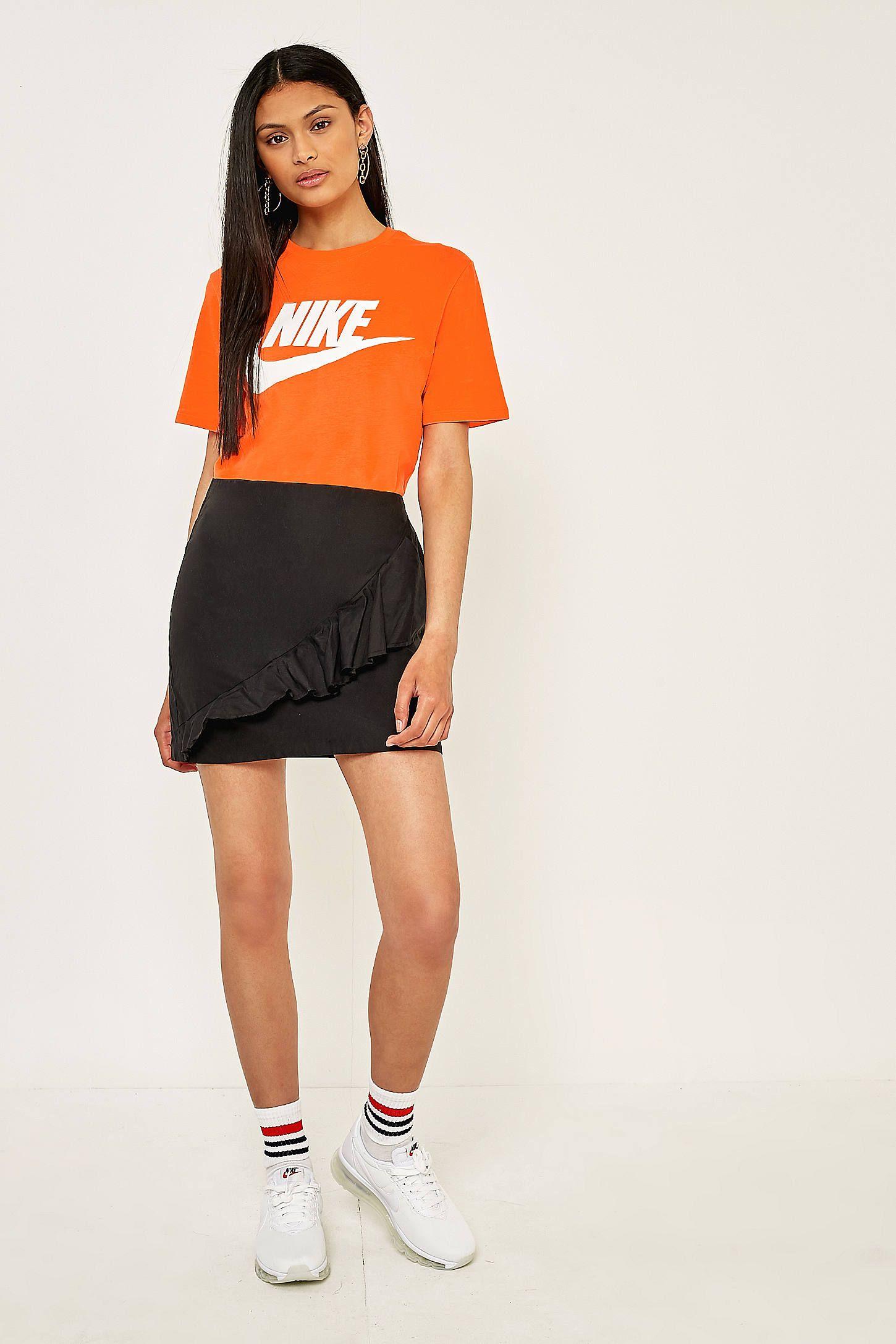 Nike essential swoosh orange tshirt orange t shirts