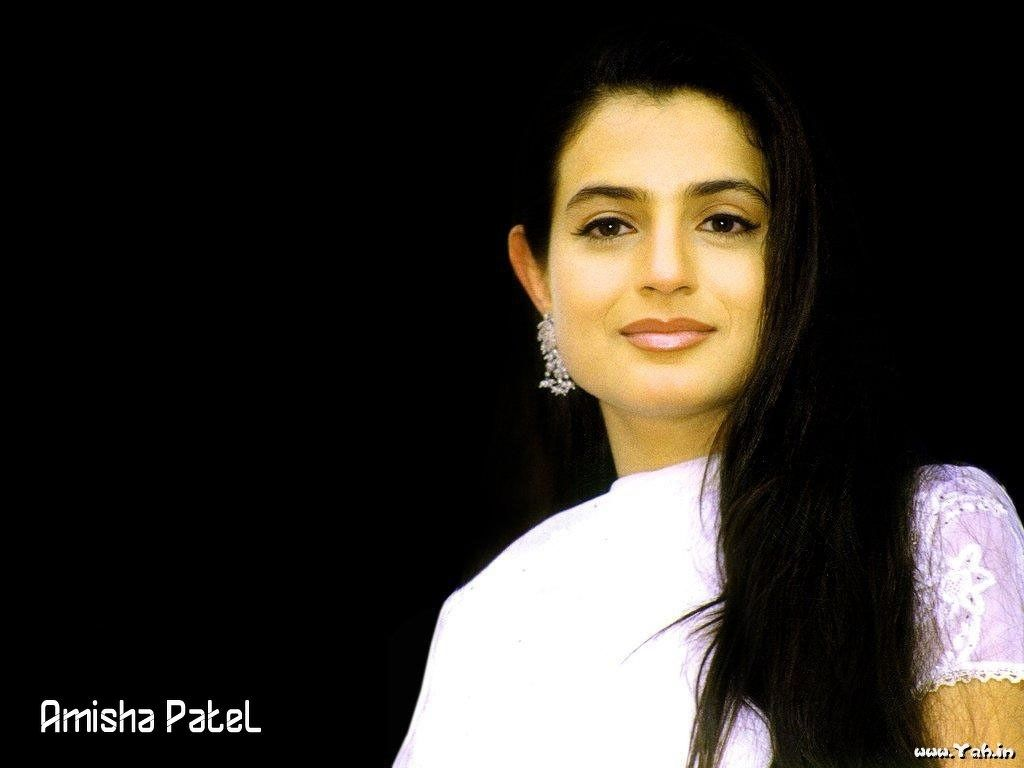 bollywood actresses | amisha patel 12 | amisha patel wallpapers