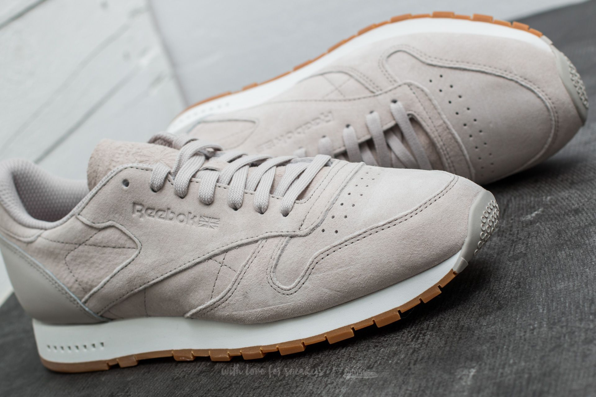 Reebok Classic Leather Seasonal Gum Sand Stone  Chalk-Gum at a great price   60 buy at Footshop 247499ce8