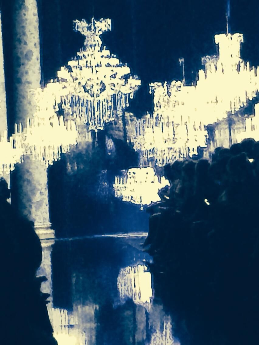 Chandeliers at Elie Saab #couture. Because, you know, he was inspired by...light! pic.twitter.com/tpz7Y6AcTj