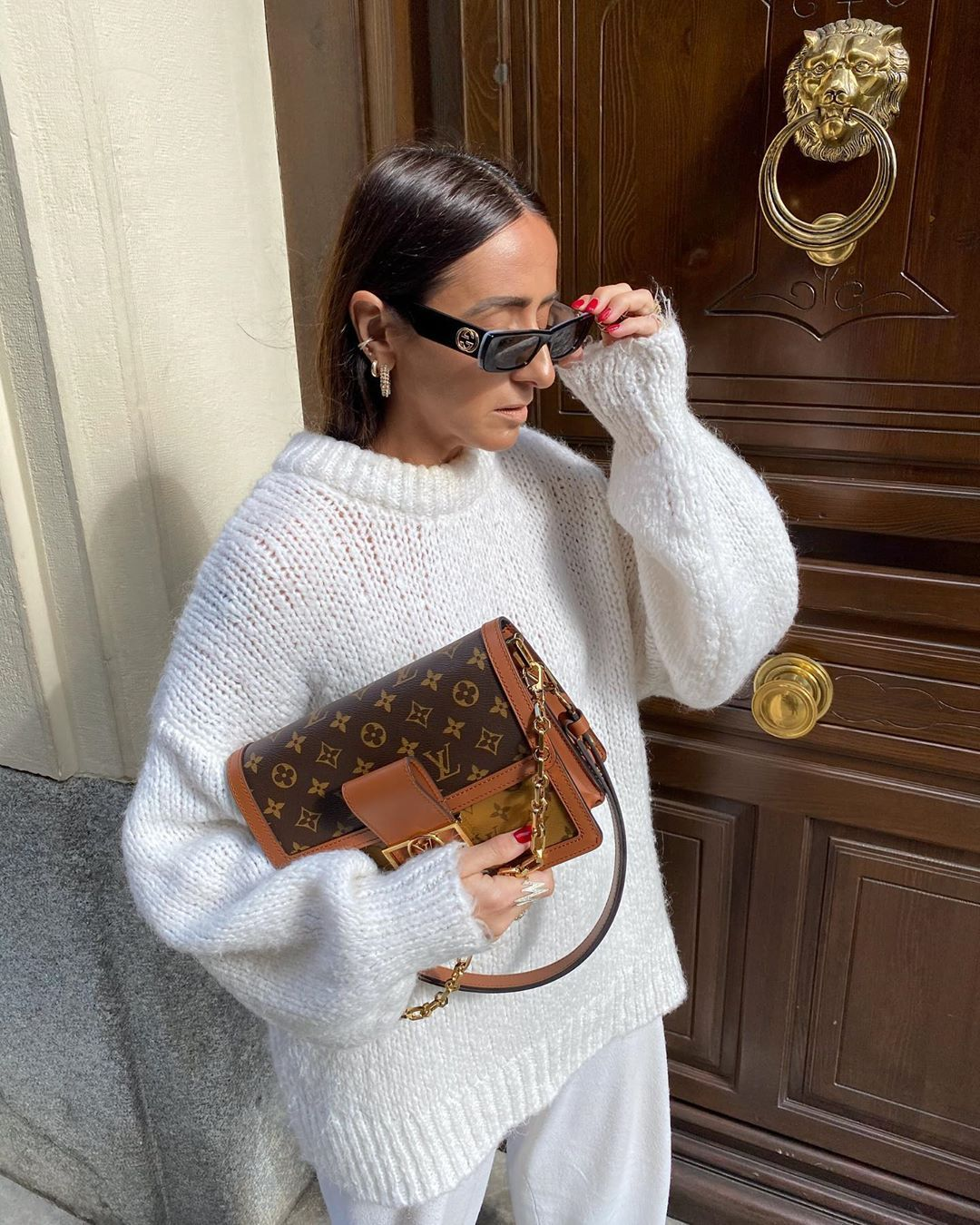 """Laura Eguizabal's Instagram profile post: """"🐼 #white #lookoftheday #look #girl #love #instagood #instamoment #outfits #ootd"""""""