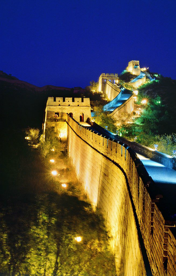 The Best Time To Visit The Badaling Section Of The Great Wall Is Spring April To May And Autumn September To October Beijing China Badal 風景 リゾート地 綺麗な景色