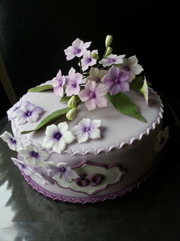 Taartje voor mijn moeders verjaardag...