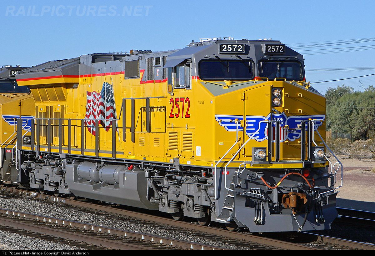 Net Photo: UP 2572 Union Pacific ET44AC at Yermo, California by David  Anderson