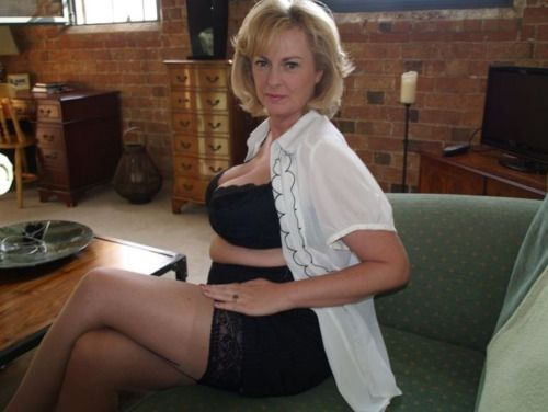 villazon milf women Milfs 30 is a free mature/milf picture site that features some of the best models from all over 30 we have thousands of free milf pics for you to view.