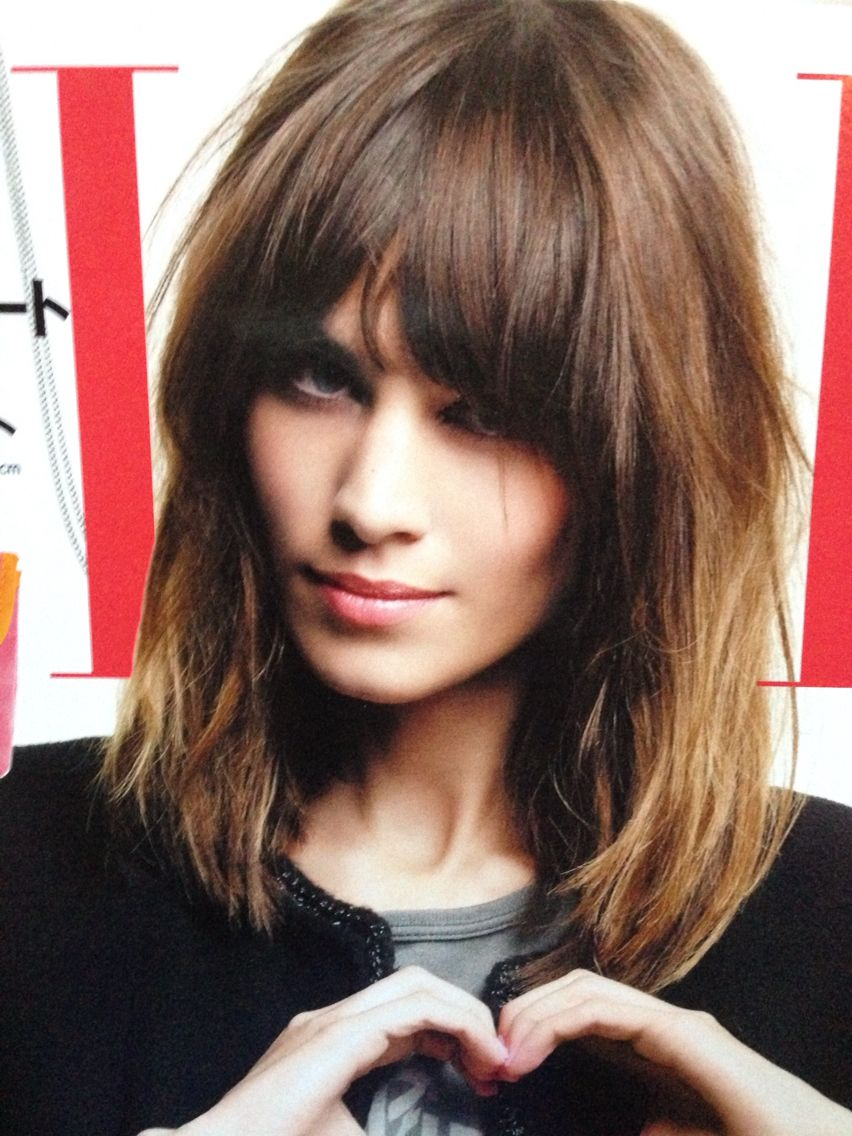 Alexa Chung Medium Hair Styles Medium Short Hair Wavy Hairstyles Medium