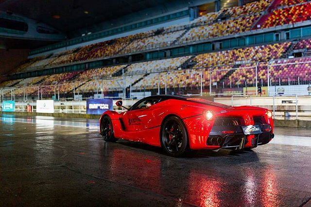 Anyone still wanna see LaF snaps now that the LaFaperta is out?  Regrann_App from @aaronchungphoto -  A wet Laferrari at the awesome trackday! #Ferrari #Laferrari#f430addict
