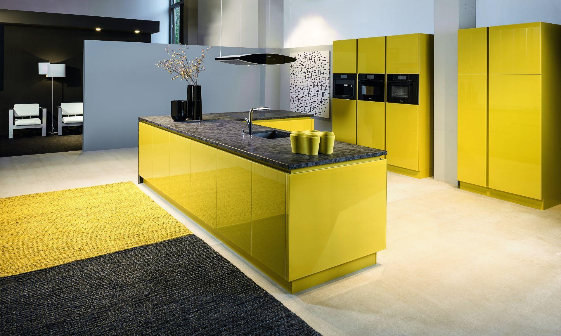 KH System Möbel: Küche in Glas RAL-Design Gelb lackiert | KH System ...