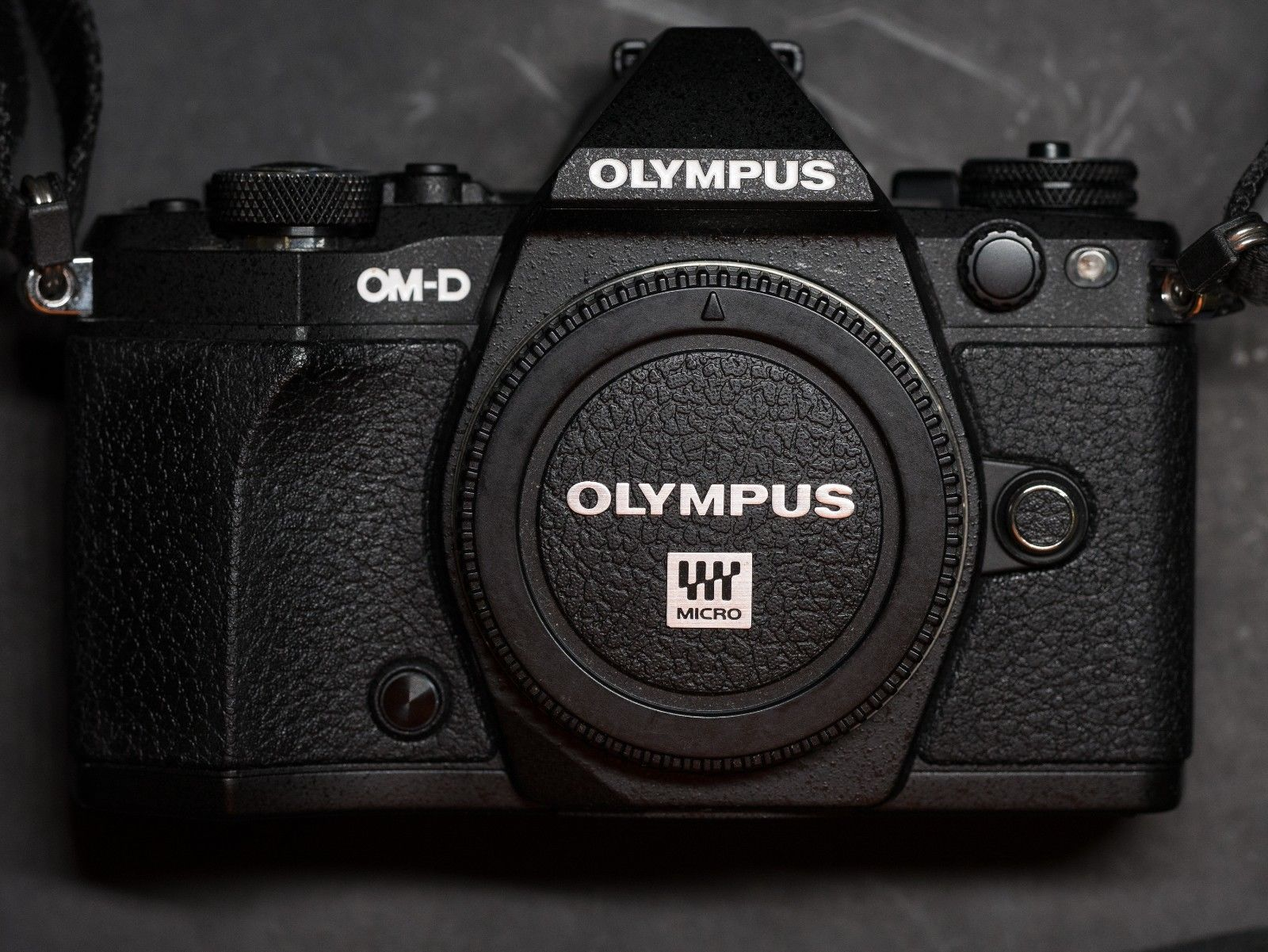 Olympus Om D E M5 Mark Ii 161mp Black Body And Accessories Grip Only