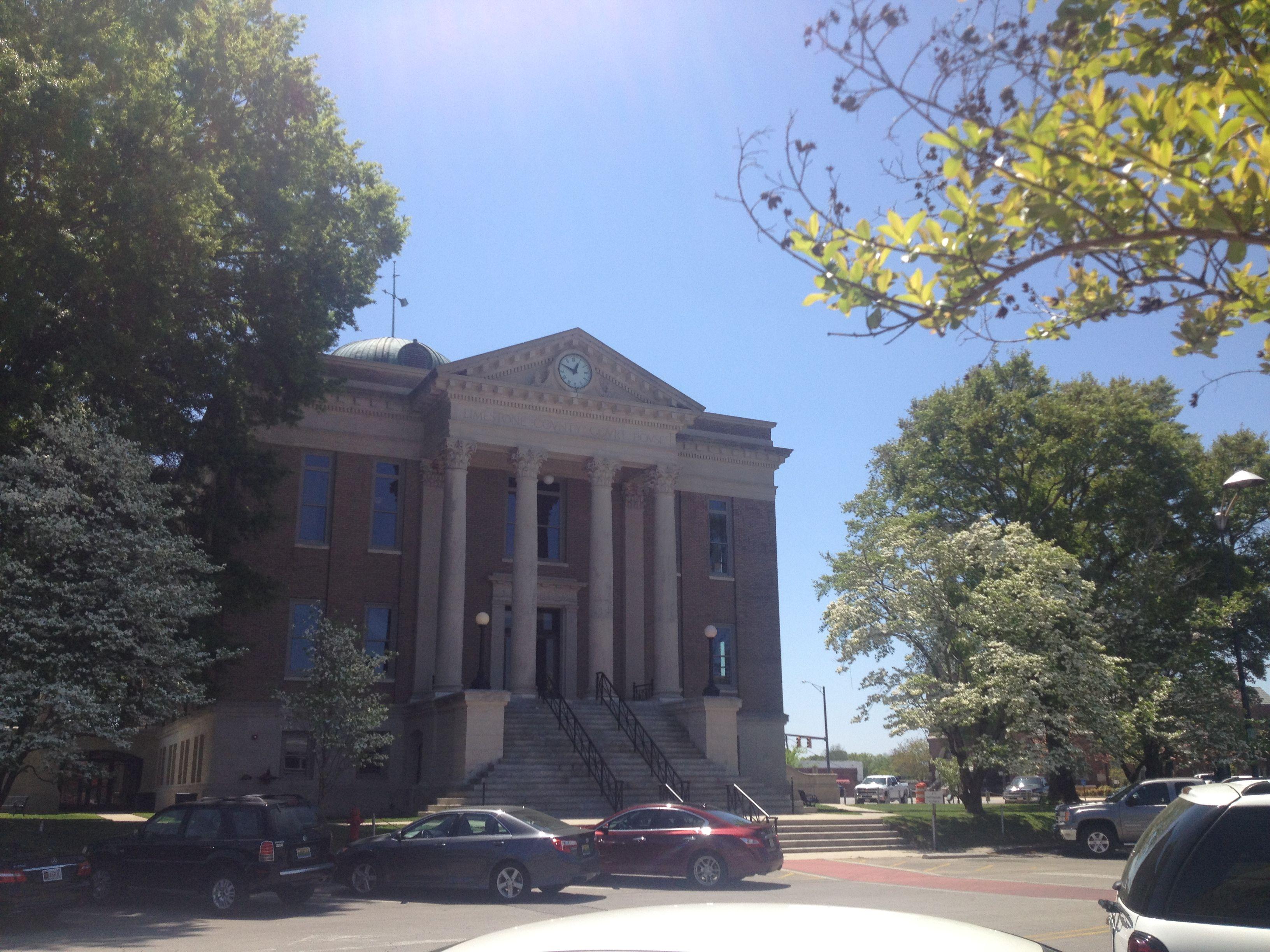 Limestone County Courthouse, 100 West Washington Street