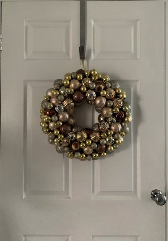Gold Brown christmas bauble wreath with a variety of luxury shatterproof baubles & ornaments for external or interior decoration.