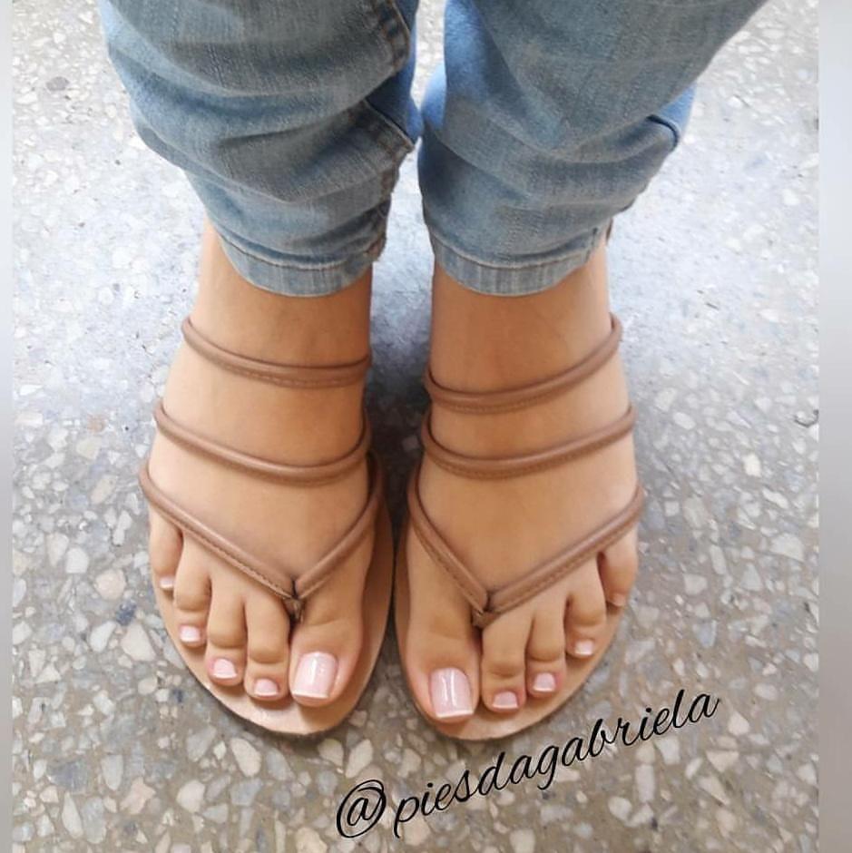 piesdagabriela #podolatria #pesfemininos #pezinhos #feetish #foot ...