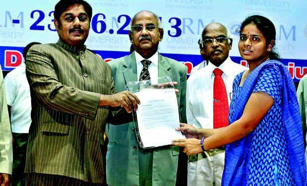 SRM University awards scholarships to over 40 students! http://www.deccanchronicle.com/130602/news-current-affairs/article/srm-broad-base-technical-courses  http://www.srmuniv.ac.in/enroll/Counseling'13.php