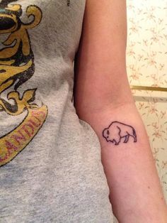 Buffalo Outline Tattoo Google Search Buffalo Tattoo Tattoos Bison Tattoo