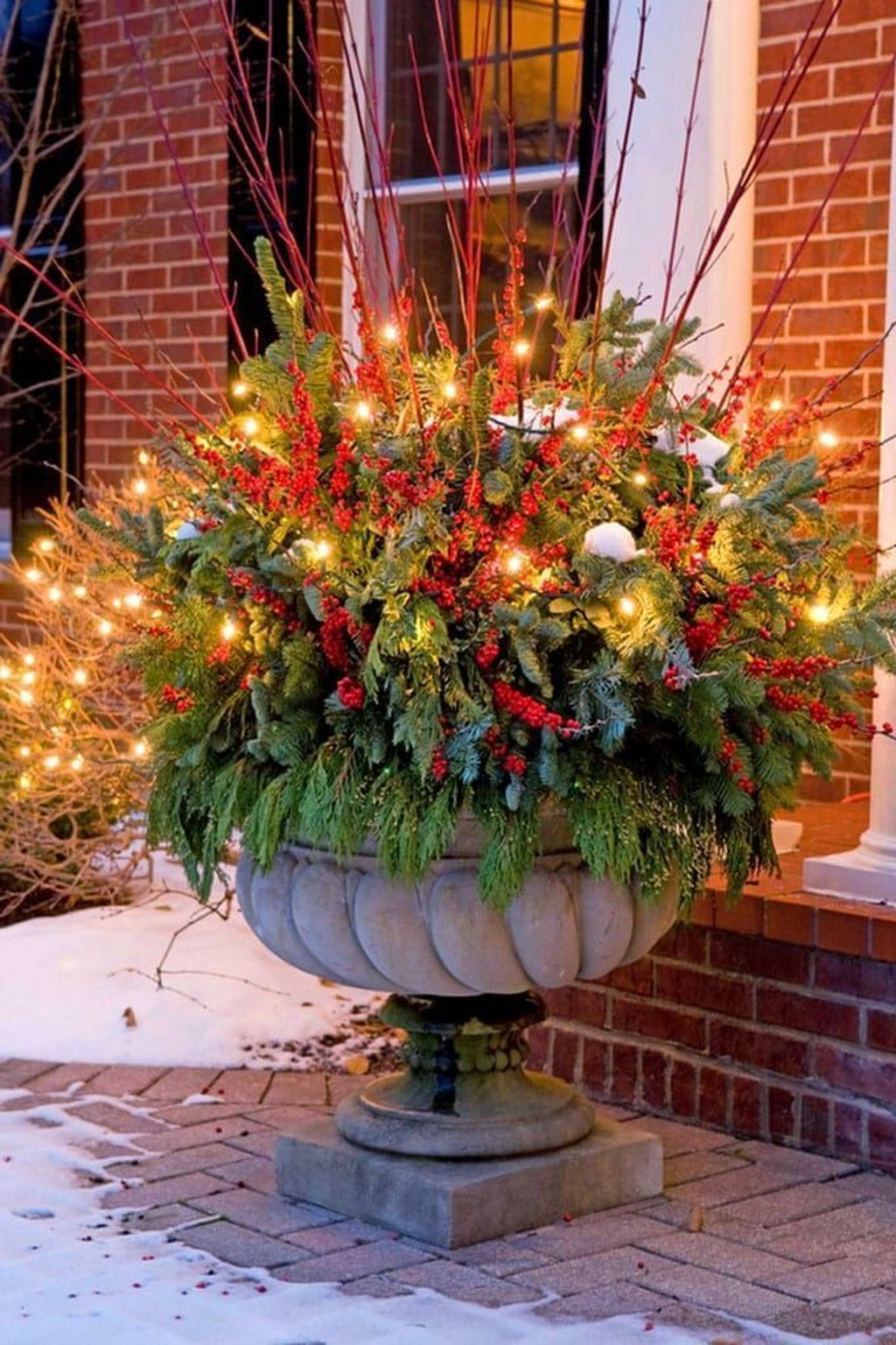 34 Amazing Winter Outdoor Decor Ideas That Will You Like