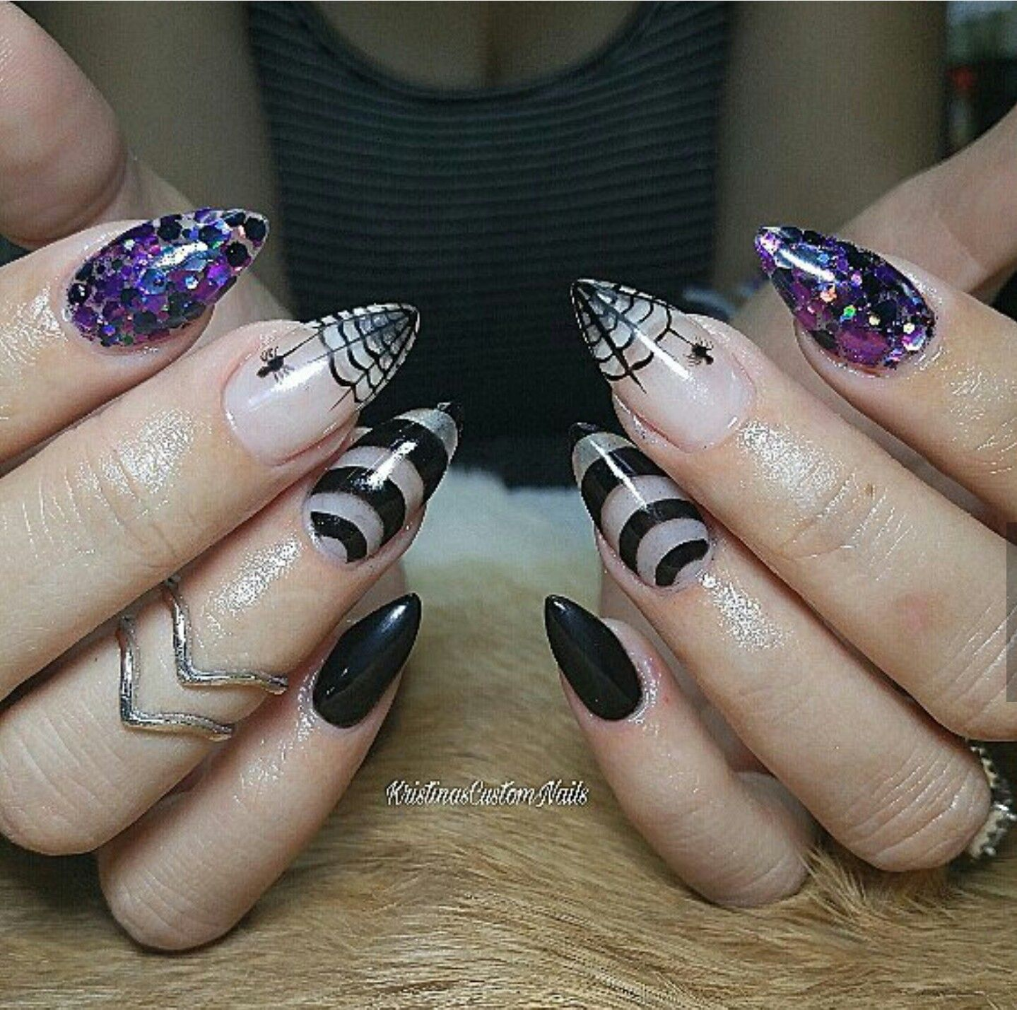 Nails manicure Halloween purple black white spider glitter ...