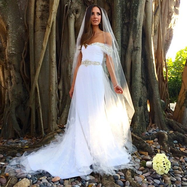 Used Designer Wedding Gowns: Instagram Post By Arielle Noa Charnas (@somethingnavy