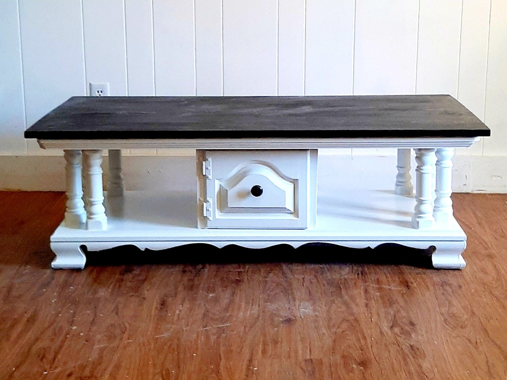 Vintage Coffee Table Makeover White With Black Stained Plank Top 2020 Coffee Table Vintage Coffee Table Makeover My Furniture [ 1272 x 1696 Pixel ]
